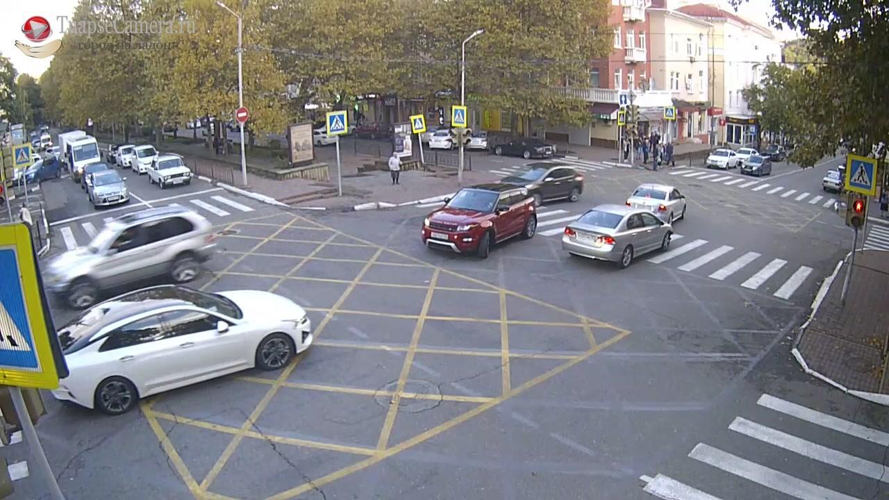 Webkamera Tuapse › South-West: Перекресток ул. Карла Маркса