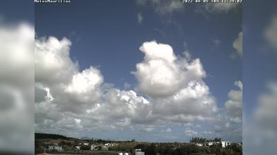 Daylight webcam view from Mon Loisir: meteomauritius