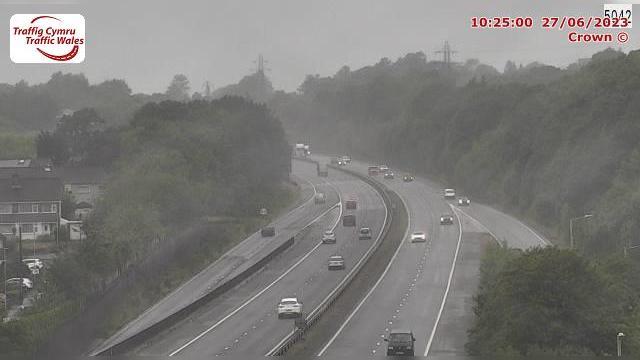 Webkamera Clydach: M4 eastbound at junction 45 (Ynysforgan)