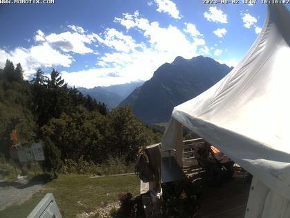 Mollis: Naturfreundehaus Fronalp, Skigebiet Schilt oberhalb - Glarnerland
