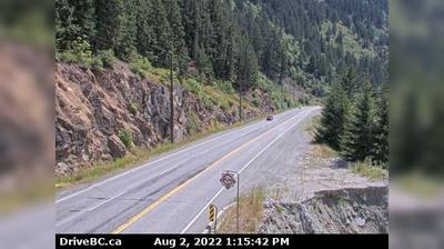 Daylight webcam view from Boston Bar › South: Trans − Highway, Hwy 1 at Bradley Hill, about 3.5 km south of Hells Ga