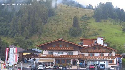Vista de cámara web de luz diurna desde Atzing: Hotel Victoria, Maishofen