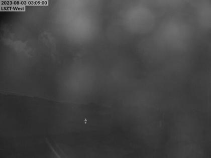 Lommis: Airfield - Cam West