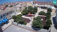 Povljana: Main square, view from the bell tower - Overdag