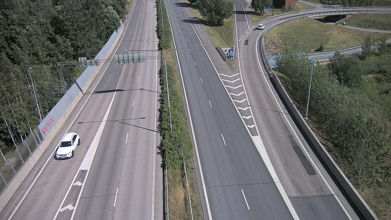 Webkamera Espoo: Tie 51 − Matinkylä