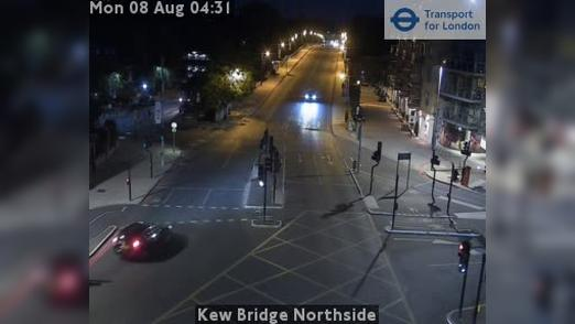 Webcam Acton: Kew Bridge Northside