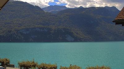 Vue webcam de jour à partir de Brienz: Dorf Fischerbrunnenplatz
