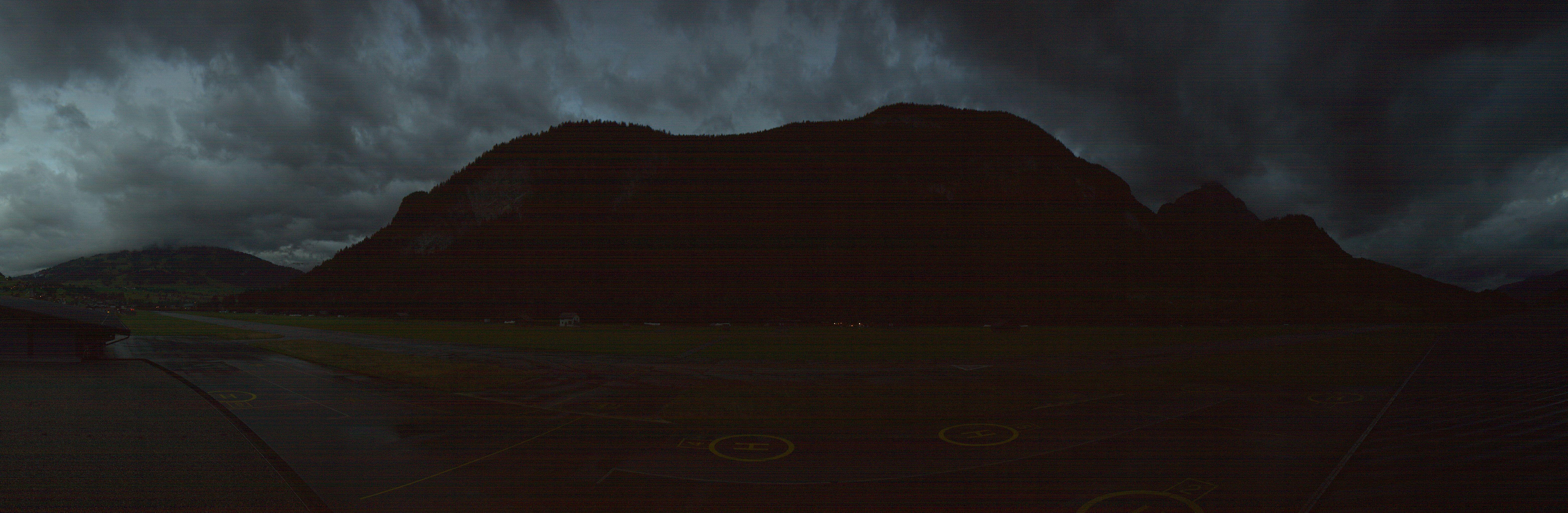 Saanen: Airport