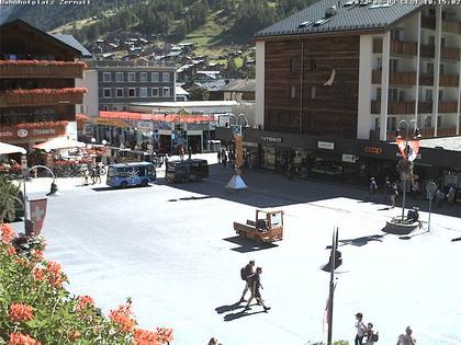 Zermatt: Bahnhofplatz