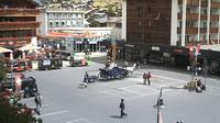 Zermatt: Bahnhofplatz - Overdag