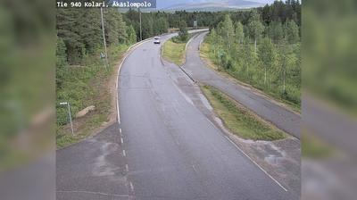 Vista de cámara web de luz diurna desde Kolari: Tie 940 Äkäslompolo − Muotkavaaraan (pohjoiseen)