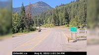 Rossland > West: Hwy B at Hwy - Weigh Scale) looking west on Hwy - Overdag