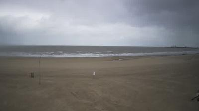 Daylight webcam view from Blankenberge › West: O'Neill Beach Club
