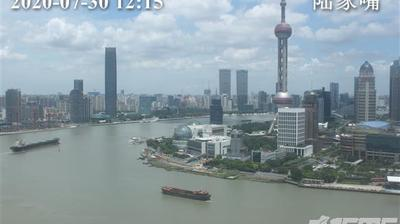 Daylight webcam view from Huangpu › North: Oriental Pearl TV Tower
