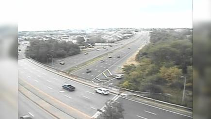 Traffic Cam Bridgeport › South: CAM - RT- SB @ Exit  (Chopsey Hill Rd)