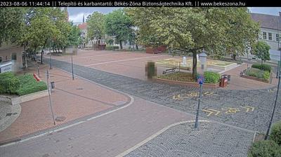 Daylight webcam view from Békéscsaba: Szent István tér