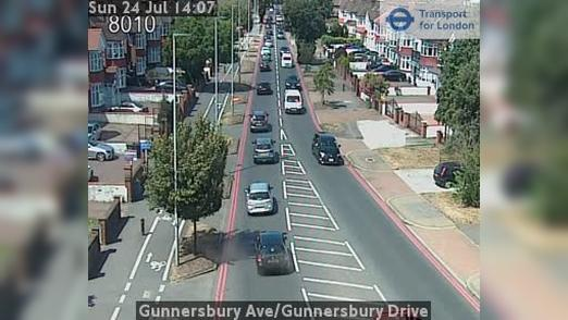 Webcam Acton: Gunnersbury Ave/Gunnersbury Drive