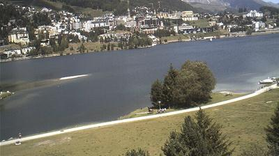 Vista de cámara web de luz diurna desde Saint Moritz: St. Moritzer − See mit − Dorf