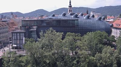 Daylight webcam view from Graz: Kunsthaus − Webcam BIX Medienfassade