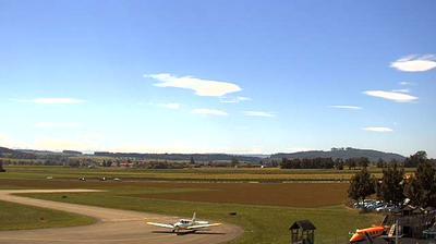 Vista de cámara web de luz diurna desde Grenchen: Airport − Richtung West Ost