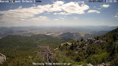 Vista de cámara web de luz diurna desde Kalambaka: Meteora Trikala
