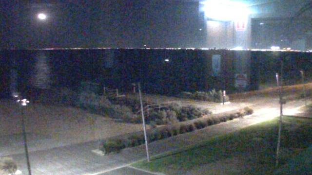 Webcam Elwood Beach › South-West: Elwood Sailing Club