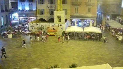Lugano: Piazza Riforma