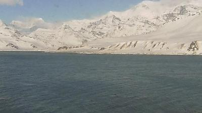 Daylight webcam view from King Edward Point › East