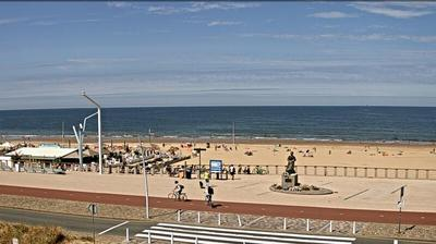 Daylight webcam view from Scheveningen: Scheveningenlive.nl