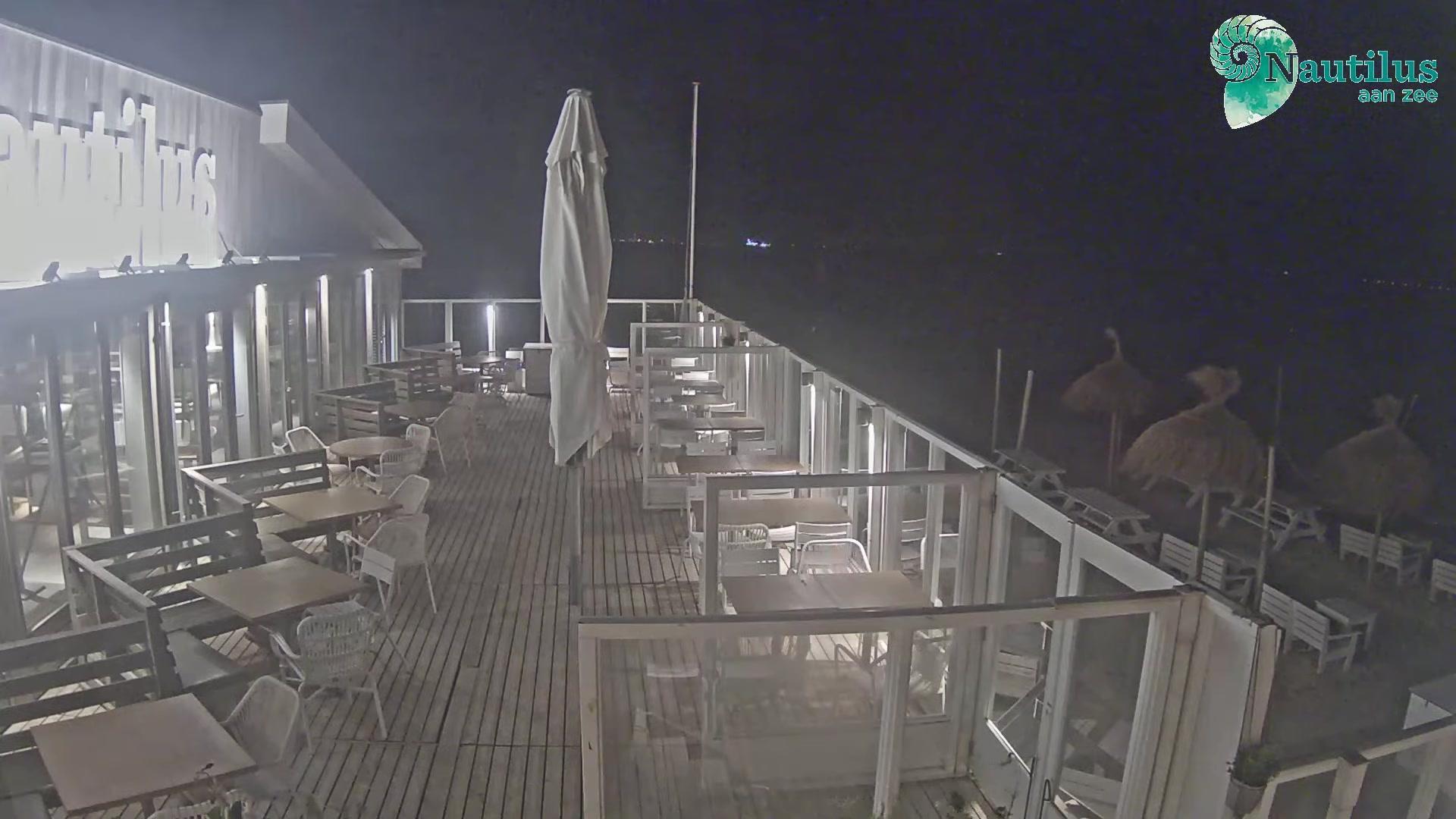 Webkamera Egmond aan Zee: Strandpaviljoen the Shell − Strand