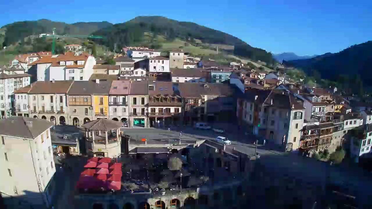 Webcam Potes: Plaza Capitán Palacios