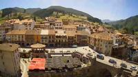 Potes: Plaza Capit�n Palacios - Day time