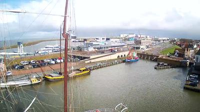 Daylight webcam view from Harlingen: Binnenhaven