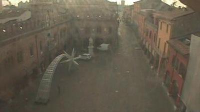 Webcam Cento › South-East: Piazza del Guercino