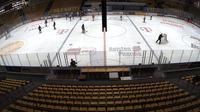 Frankfurt: Eissporthalle - Day time