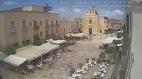Favignana: Piazza Madrice - Overdag