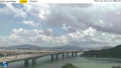 Daylight webcam view from 沙螺湾 › North East: Hong Kong International Airport
