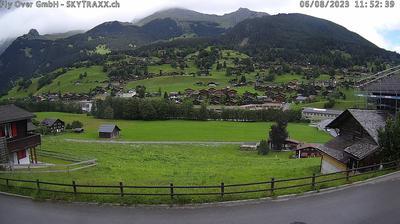Vista de cámara web de luz diurna desde Unter Eiger: Grindelwald − Grund Blick nach Norden (Reeti, Aellfluh)