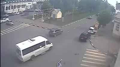 Webcam Ulyanovsk › South: ulitsa Bebelya − ulitsa Gonchar