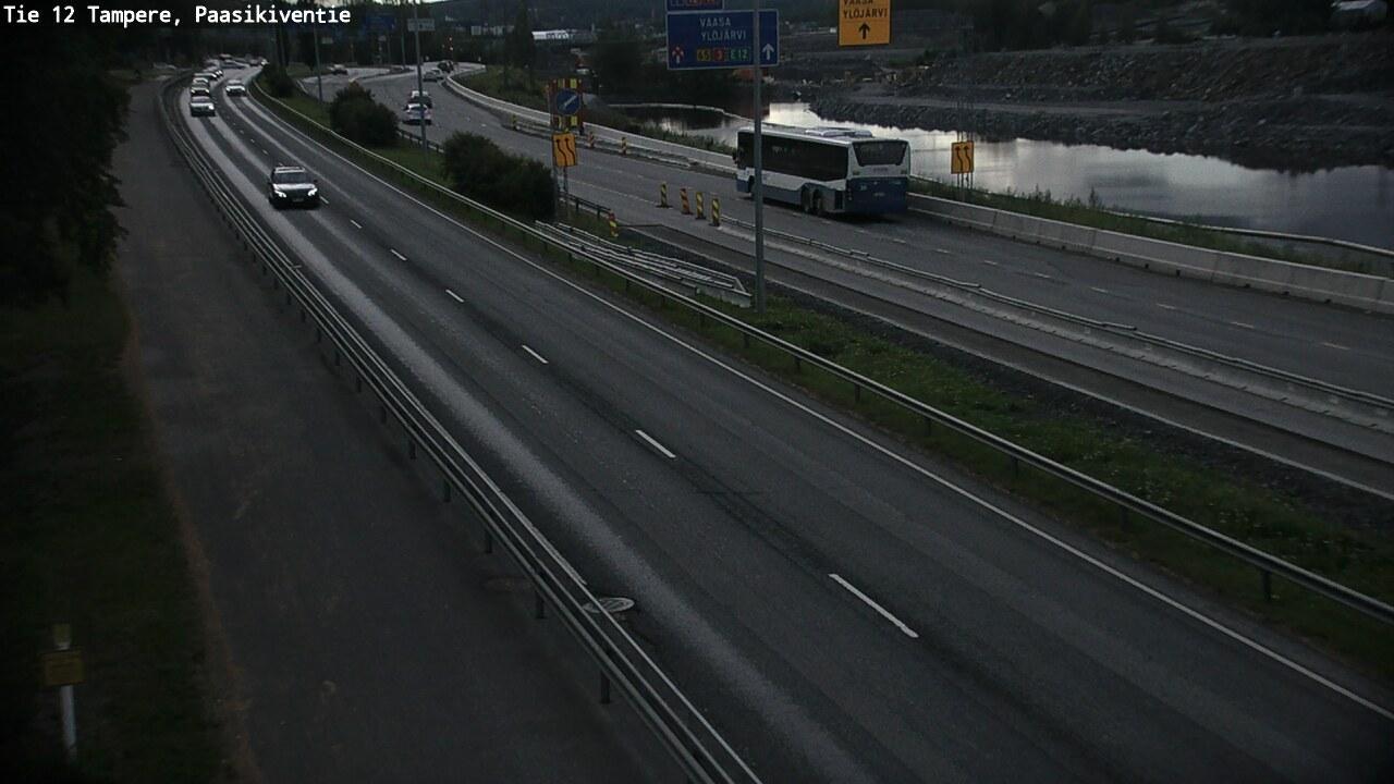 Webcam Tampere: Tie 12 − Paasikiventie − Raumalle