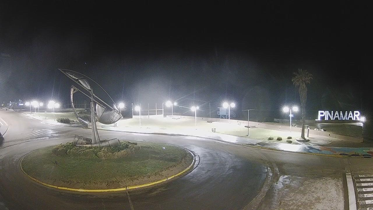 Webcam Pinamar › North-East: Avenida Arquitecto Jorge Bun