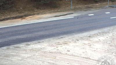 Vista de cámara web de luz diurna desde Oliņas: Strenči, A3 autoceļš 102km
