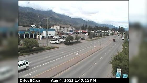 Webcam Smithers › North: Hwy 16 in − at Main Street, look