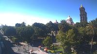 Puebla: Calle Pino Suárez - Day time