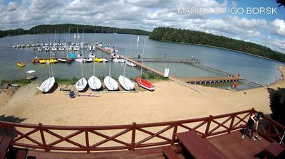 Daylight webcam view from Borsk › North East: Largo. Ośrodek wypoczynkowy Wdzydze Tucholskie Wdzydze Lake