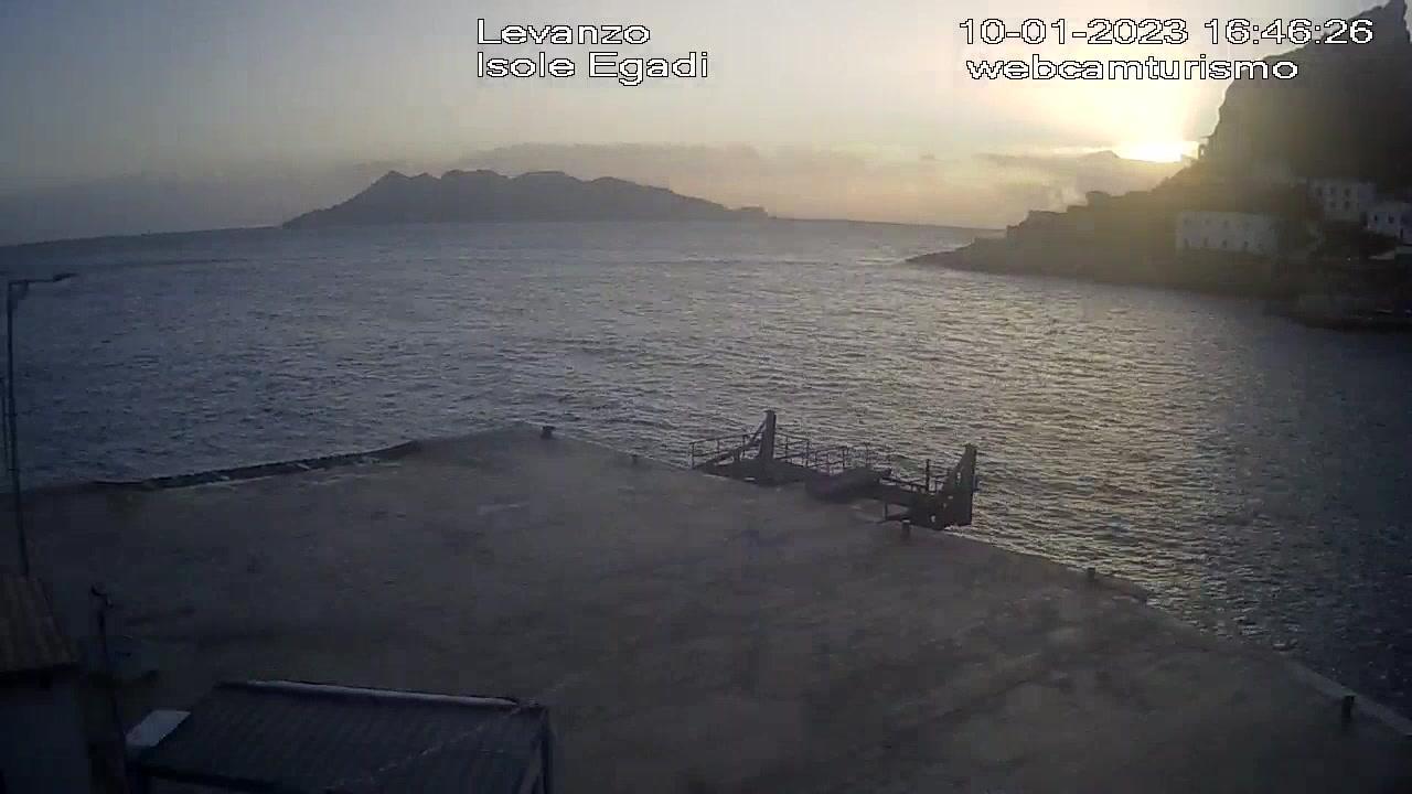 Webcam Isola di Levanzo › North-West: Levanzo − Attracco