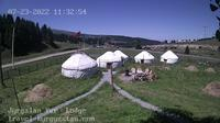 Jyrgalan › North: Jyrgalan Yurt Lodge - Overdag