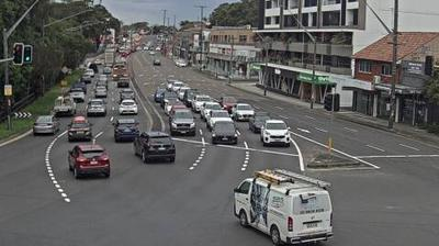 Daylight webcam view from Kogarah: Live traffic camera − Princes Hwy (Blakehurst)