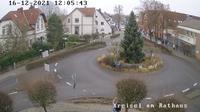 Bad Essen: Kreisverkehr vor dem Rathaus in - Overdag