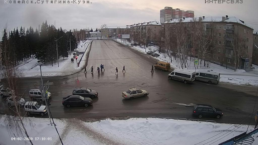 Webcam Kopeysk › South: ulitsa Sutyagina − ulitsa Kuznets